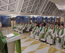 На Мессе в Доме Святой Марфы Папа Франциск говорил об особенностях христианского сердца – способного сострадать и свободного от диктата идеологий