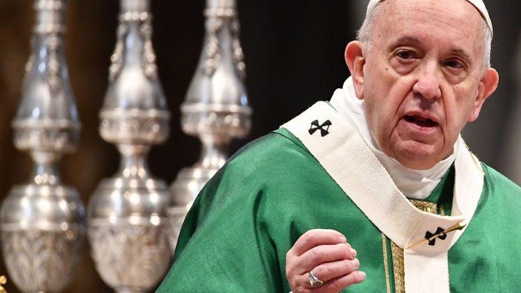 Папа Франциск на Мессе в Доме Святой Марфы: быть христианином значит идти путем Иисуса, путем креста…
