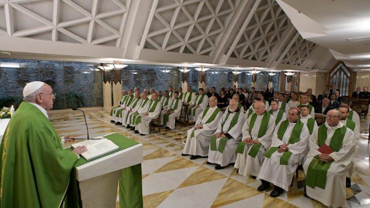 На Мессе в Доме Святой Марфы Папа Франциск говорил о том, кто является в Церкви «первым»