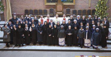 Встреча сестер-монахинь Преображенской епархии завершилась обновлением обетов в праздник Сретения Господня (+ФОТО)