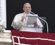 Папа Франциск не примет участия в великопостных реколлекциях из-за простуды