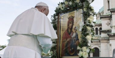 Папа Франциск вверил Рим, Италию и весь мир заступничеству Пресвятой Богородицы