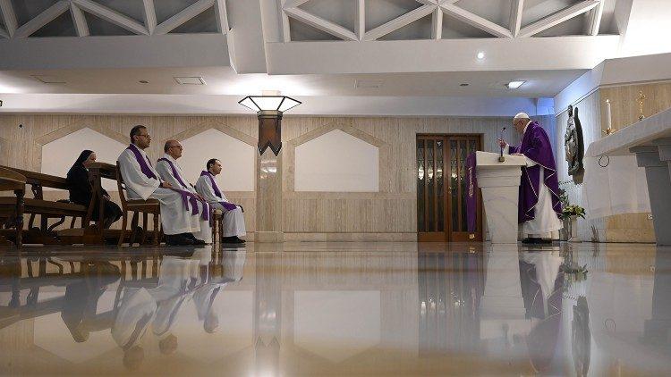 На Мессе в Доме Святой Марфы Папа Франциск размышлял о том, почему информация далеко не всегда достигает сердца