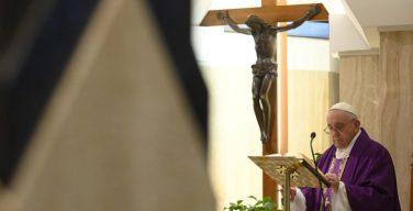 На Мессе в Доме Святой Марфы Папа Франциск особым образом помолился о бездомных