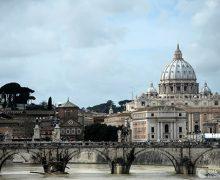 Ватикан открывает архивы времен противоречивого понтификата Пия XII