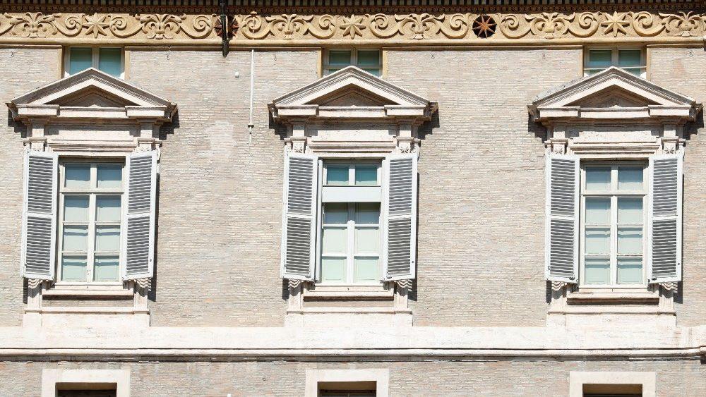 Полуденная молитва «Ангел Господень» прошла при закрытом окне Апостольского дворца из-за опасности коронавируса