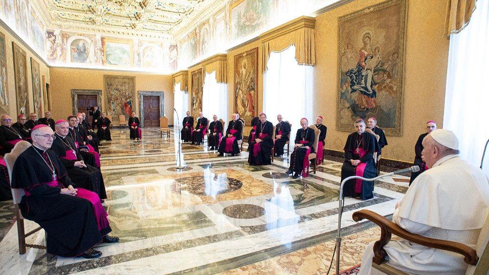 Французские епископы совершают визит ad limina