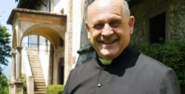 История об итальянском священнике, отдавшем аппарат ИВЛ молодому пациенту, оказалась неправдой