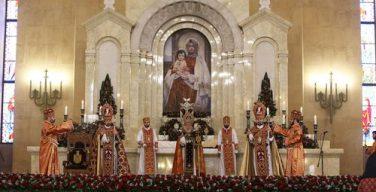 Впервые за 1719 лет существования Армянской Церкви пасхальная служба прошла без прихожан