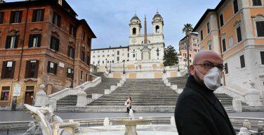 Италия: епископы не согласны с продлением запрета на публичное служение Святых Месс