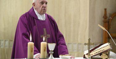 На Мессе в Доме Святой Марфы Папа Франциск помолился о жертвах несправедливого осуждения