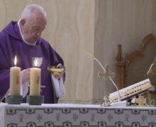 На Мессе в Доме Святой Марфы Папа Франциск предостерег перед живущим в каждом из нас «маленьким иудой»