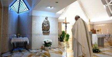 В ходе Мессы в Доме Святой Марфы Папа Франциск говорил о предваряющей нас Божией верности