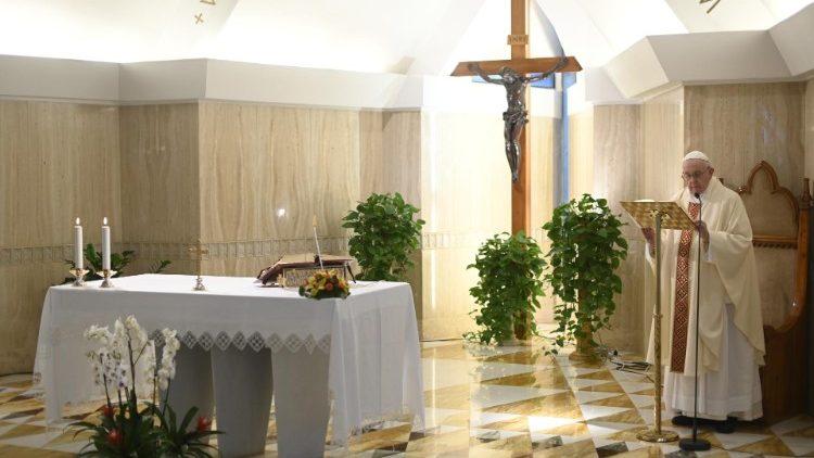 На Мессе в Доме Святой Марфы Папа Франциск призвал к возвращению к радости первого призвания