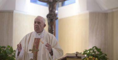 В своей проповеди на Мессе в Доме Святой Марфы Папа Франциск указал на опасность фальшивых новостей