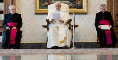 На общей аудиенции в первую среду мая Папа Франциск начал новый цикл катехез, посвященный молитве