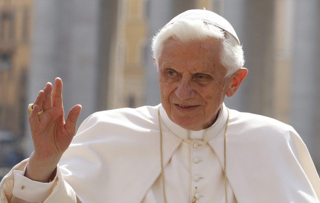 Бенедикт XVI объяснил мотивы и смысл своего ухода с Престола  Святого Петра