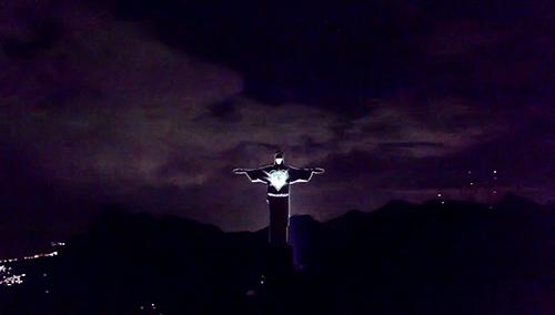 Статуя Христа-Искупителя получила маску для защиты от COVID-19