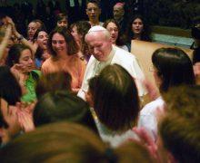 По случаю 100-летия со дня рождения святого Иоанна Павла II Папа Франциск обратился с видеопосланием к молодежи Кракова