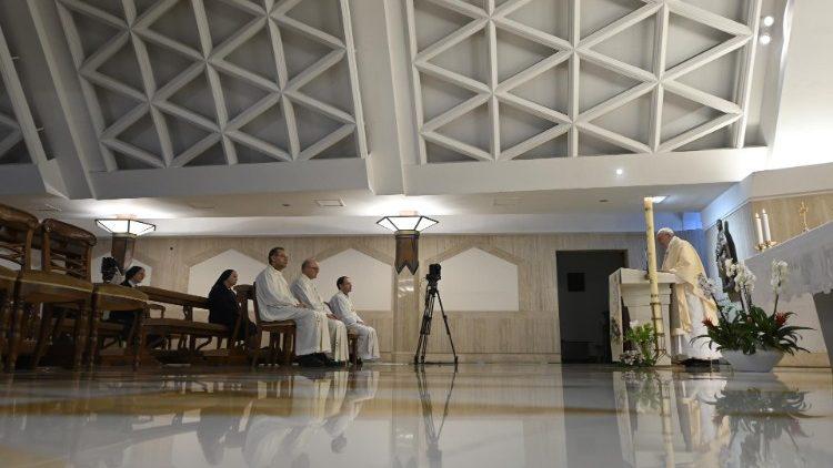 На Мессе в Доме Святой Марфы Папа Франциск подчеркнул, что христианство – это не столько доктрина, сколько история народа