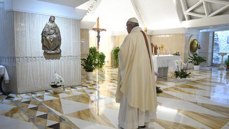 На Мессе в Доме Святой Марфы Папа Франциск размышлял о роли Святого Духа в жизни Церкви и отдельных верующих
