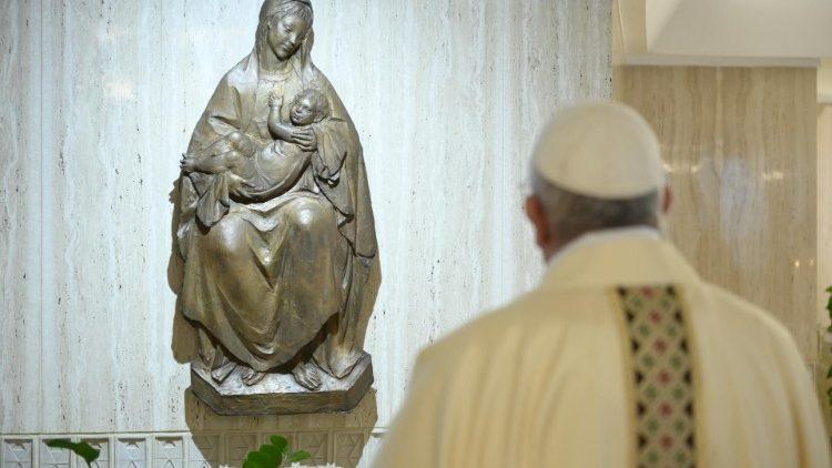 Папа Франциск на Мессе в Доме Святой Марфы: жизнь христианина – это пребывание в Иисусе