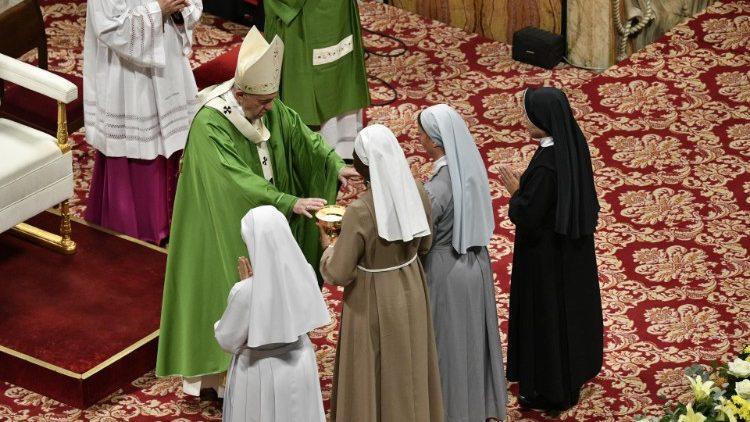 Папа Франциск миссионерским обществам: миссия – это безвозмездный дар Святого Духа
