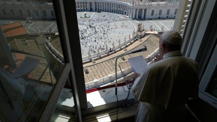 Слово Папы Франциска перед чтением молитвы «Царица Небесная» в торжество Пятидесятницы. 31 мая 2020 г., площадь Святого Петра