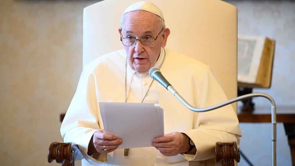 На общей аудиенции 10 июня Папа Франциск назвал борьбу Иакова с Богом метафорой молитвы