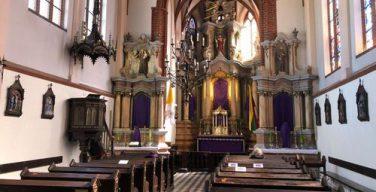 Католикам в Литве вновь разрешили принимать Святое Причастие