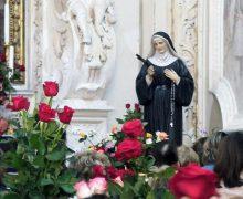 Папа Франциск поблагодарил монахинь за «розы Святой Риты»