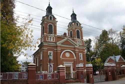 Орган не католической церкви: суд отказался вернуть кировскому приходу здание Вятской филармонии