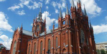 Собор Непорочного Зачатия Пресвятой Девы Марии в Москве возобновит служение Святых Месс с участием народа 7 июня