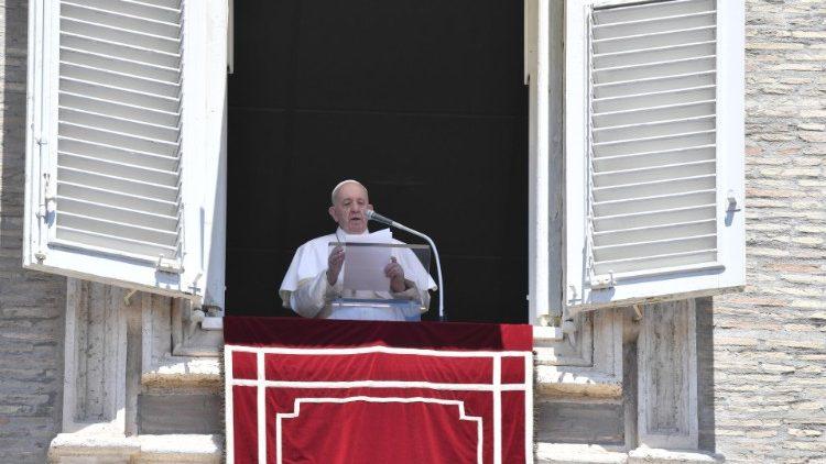 Слово Папы Франциска перед чтением молитвы «Ангел Господень» в 16-е Рядовое воскресенье. 19 июля 2020 г., площадь Св. Петра