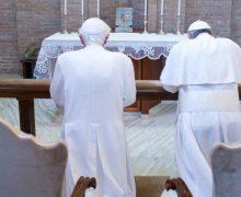 Папа Франциск написал письмо Папе Бенедикту XVI
