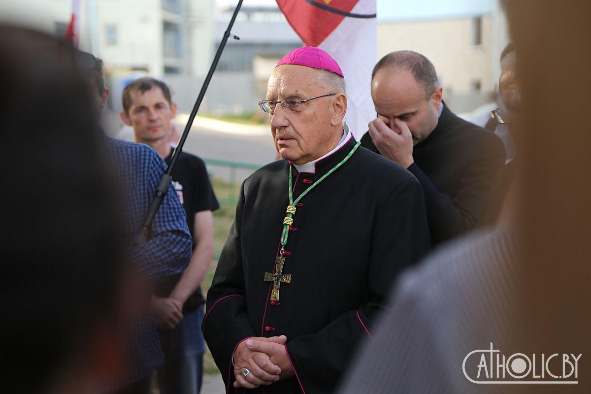 В Беларусь не пустили предстоятеля Поместной Католической Церкви митрополита Тадеуша Кондрусевича