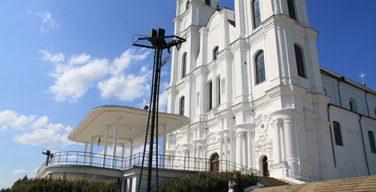 В праздник Успения Богородицы (Вознесения Девы Марии) доступ паломников в главное богородичное святилище Прибалтики (Аглонскую базилику) будет ограничен