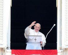 Слово Папы Франциска перед чтением молитвы «Ангел Господень» в 18-е Рядовое воскресенье. 2 августа 2020 г., площадь Св. Петра