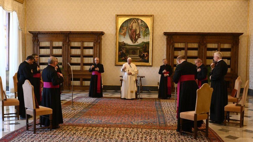 Папа Франциск провел первую после летнего перерыва общую аудиенцию