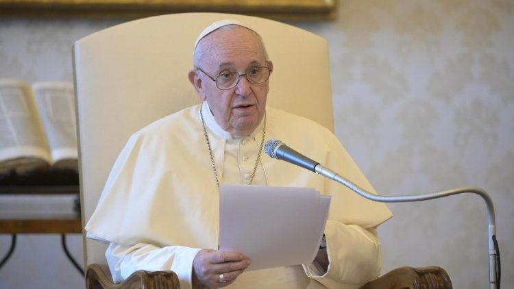 На общей аудиенции 12 августа Папа Франциск продолжил раскрывать тему исцеления