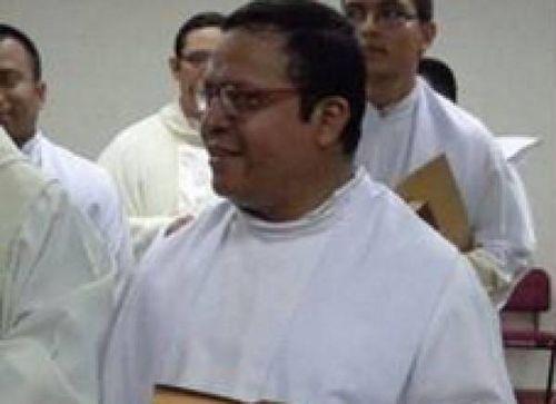 В Сальвадоре застрелен ректор католической духовной семинарии