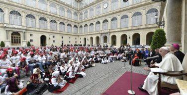В сентябре будут возобновлены общие аудиенции Папы по средам с участием паломников