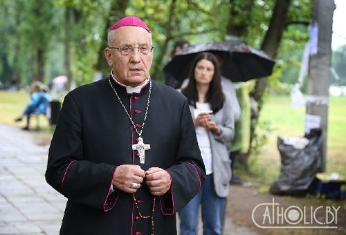 Архиепископ Тадеуш Кондрусевич навестил СИЗО на улице Окрестина