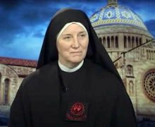 Монахиня Диди Бёрн, выступившая на Конвенции Республиканской партии: «Дональд Трамп – самый пролайф-президент в нашей истории»
