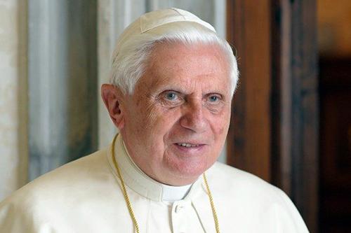 СМИ: Бенедикт XVI неважно чувствует себя после возвращения из Германии в июне