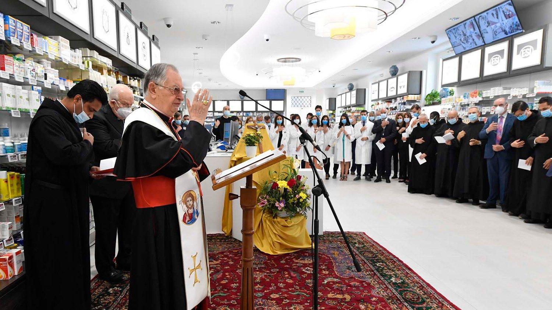 Обновлённая Ватиканская аптека стала ближе к нуждающимся (ФОТО)
