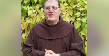 Отец Коррадо Трабукки, OFM, напомнил о праздниках октября, отмечаемых в Католической школе Новосибирска