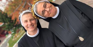 В Новосибирске две сестры-елизаветки отметили юбилейные годовщины своего обручения со Христом (ФОТО)