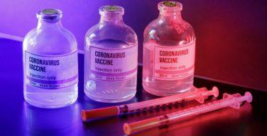 СМИ: AstraZeneca прервала испытания вакцины от коронавируса из-за побочного эффекта у пациента