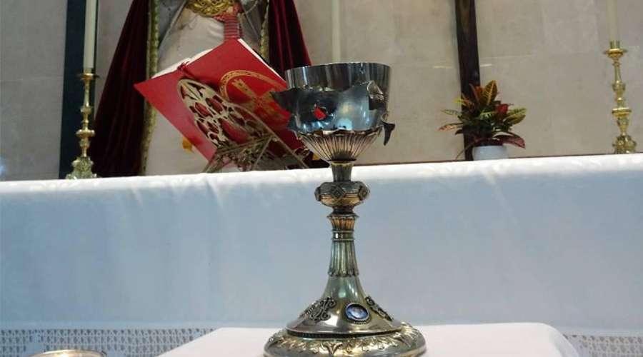 Чашу, расстрелянную боевиками ИГИЛ, выставят в испанских католических церквях